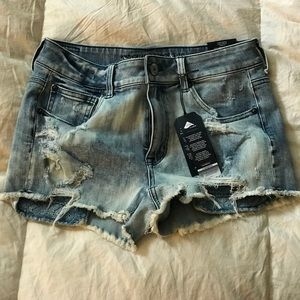 American Eagle Destroyed Hi Rise Shorties NWT
